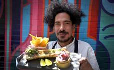 César Escudero: «Aprendí a comer acá; todo el mundo sabe de cocina»