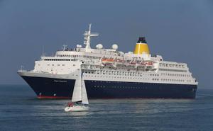 Ecologistas en Acción pone 'bandera negra' al puerto de cruceros de Getxo