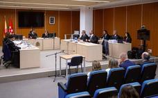 El juez mantiene al PP en el banquillo por la destrucción de ordenadores de Bárcenas