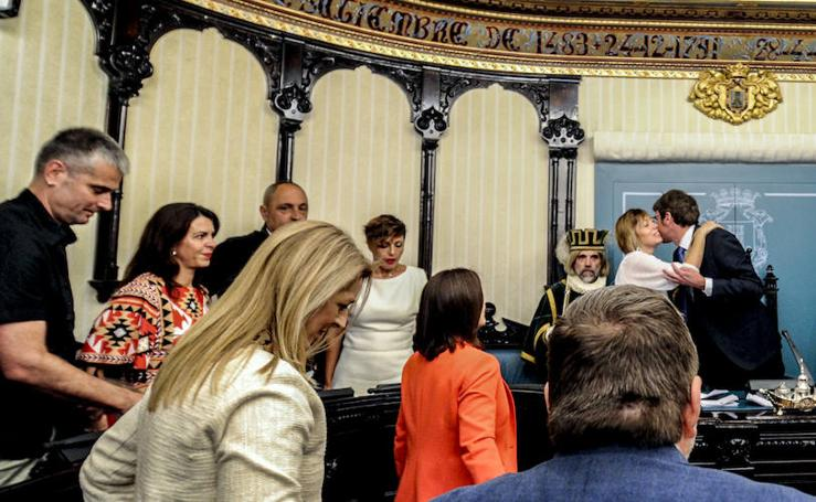 La sesión de investidura del Ayuntamiento de Vitoria, en imágenes
