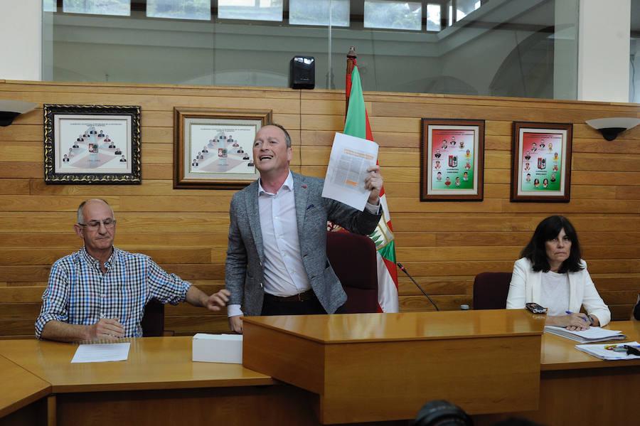 Máxima tensión en la constitución del Ayuntamiento de Alonsotegi