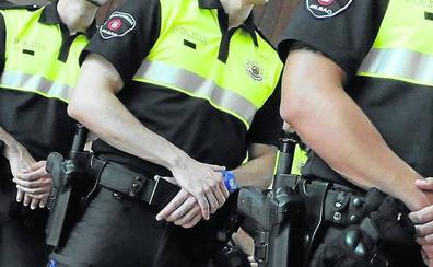 La Guardia Civil advierte de que los interinos de las Policías Locales no deben llevar arma