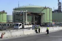 Más de 1.200 personas trabajan en parada de Petronor