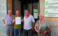 Los pensionistas trasladan a la Seguridad Social sus reivindicaciones
