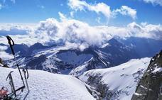 Un precioso amanecer, 5 horas de dura ascensión y ahí está la cima del Aneto, la más deseada de Pirineos