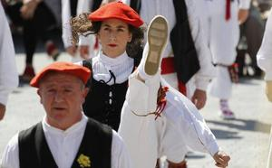 Las mujeres bailarán la Dantzari dantza por primera vez en Urrijena