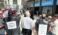 ELA propone blindar el cierre del comercio en festivos pero se topa con el rechazo patronal
