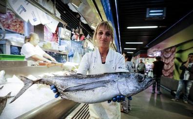 El 'rey del verano' llega a las pescaderías: recetas, trucos y consejos