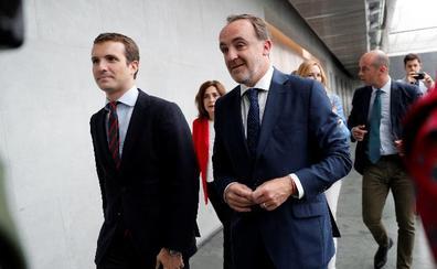Casado: «Sánchez no puede vender Navarra a quienes han justificado 800 asesinatos»