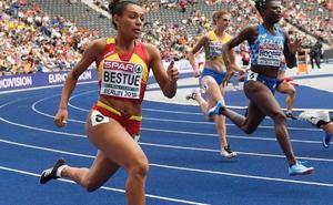 La atleta que corre los 100 metros en 11.46 segundos