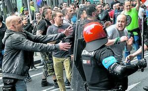 Las centrales del metal amenazan con más huelgas y la patronal insta al diálogo
