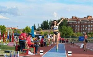 Maialen Miera, promesa del Club Atletismo Santutxu, tratará de volar alto en el estatal sub'18