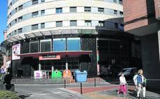 Un gimnasio 'low cost' sale al rescate del mayor complejo comercial del centro de Barakaldo