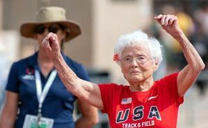 Julia 'Hurricane' Hawkins, la corredora que gana medallas con 103 años