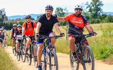 Más de 200 personas participan en la XV Vuelta al Anillo Verde en bicicleta