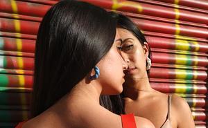 Moda que suena a 'trap': la tienda del barrio de San Francisco que enamoraría a Rosalía
