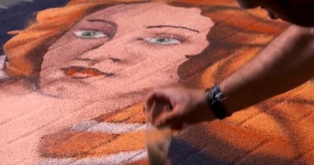 El arte de las alfombras de serrín con el que asombra Elche de la Sierra a sus visitantes