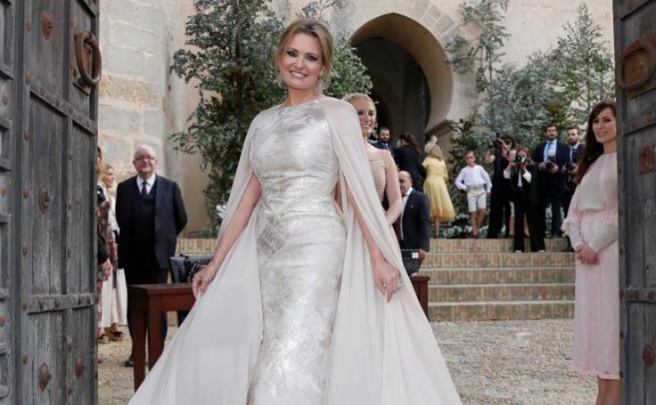 Ainhoa Arteta, la novia que confió en la moda vasca y no vistió de blanco