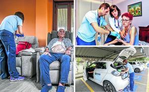 Sesenta alaveses reciben atención hospitalaria en casa cada día, el equivalente a dos plantas del HUA