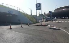 El aeropuerto de Loiu reabre el aparcamiento principal tras la saturación de la mañana
