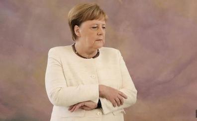 Merkel vuelve a sufrir un visible temblor corporal en un acto en Berlín
