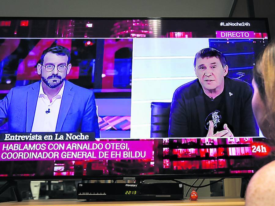 La primera entrevista a Otegi en TVE desata una tormenta política y desaira a las víctimas