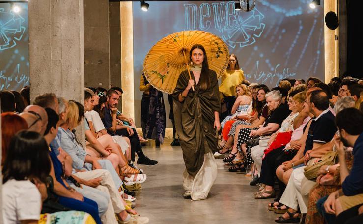 Las promesas de la moda en Bizkaia desfilan sus colecciones