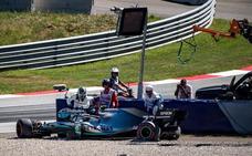 Un accidentado viernes pone en jaque a los Mercedes