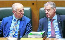 El PP da aire al Gobierno y Urkullu maquilla la legislatura al aprobar cuatro leyes en un día