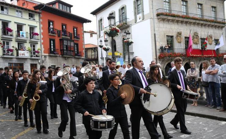 El baile del Kaxarranka en Lekeitio