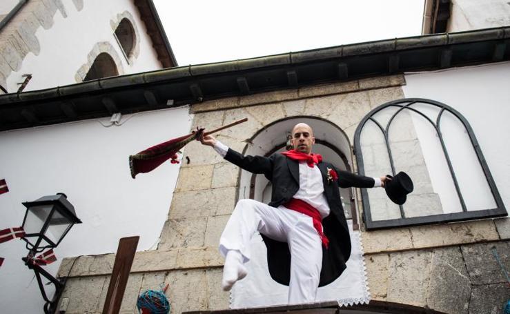 El tradicional baile de la Kaxarranka, en Lekeitio