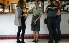 Así viven los guardias civiles en la casa cuartel de La Salve