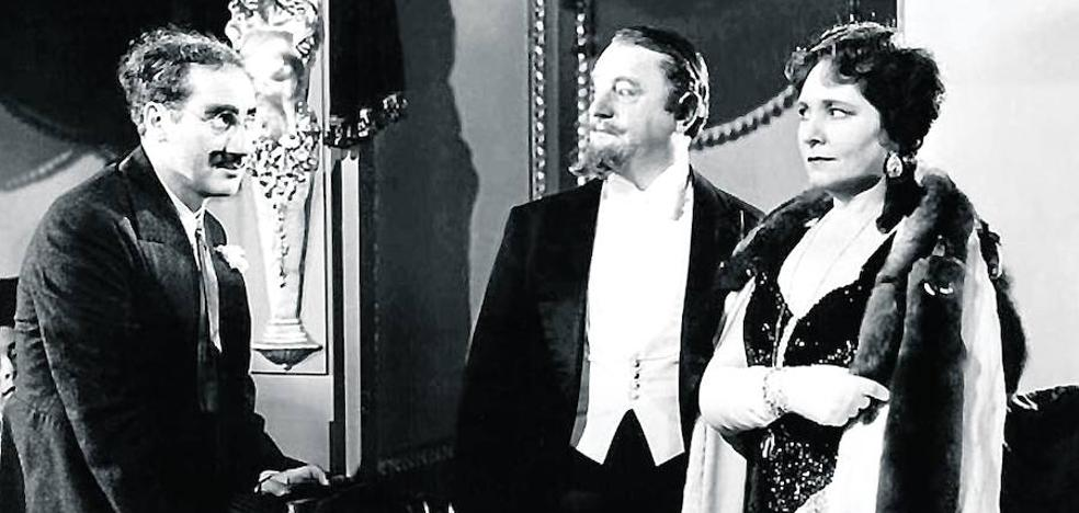 Los personajes del cine van a la ópera