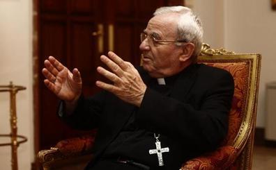 El Gobierno protesta ante el Vaticano por la «injerencia» del Nuncio sobre la exhumación de Franco