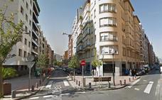 Cuatro jóvenes apalean y roban a un hombre en el centro de Bilbao