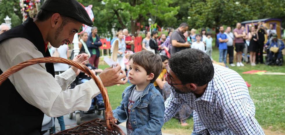 El festival de teatro de calle convierte Doña Casilda en un circo
