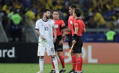 Messi, muy crítico con el arbitraje: «Brasil maneja mucho en la Conmebol»