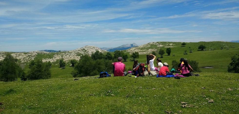 Guía práctica para iniciar a los niños en la montaña