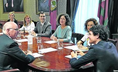 Rementeria busca relevo para el director de Hacienda, que regresa al sector privado
