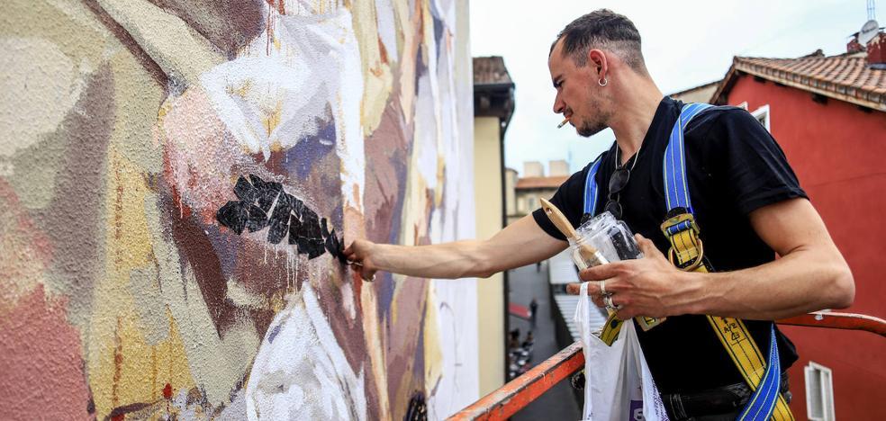 La segunda vida del mural de Borondo en Vitoria