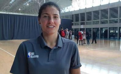 De Badajoz a ser la primera mujer española que se sienta en un banquillo de la NBA