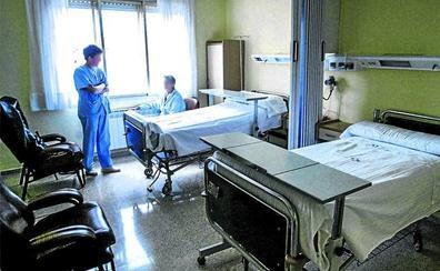 Txagorritxu y Santiago cerrarán 142 camas durante el verano