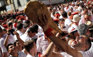 Polémica en el inicio de los Sanfermines por el intento de colocar una ikurriña