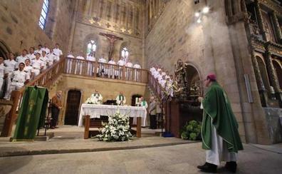 Misa marinera y ofrenda floral en memoria de Elcano y sus compañeros de viaje en Getaria
