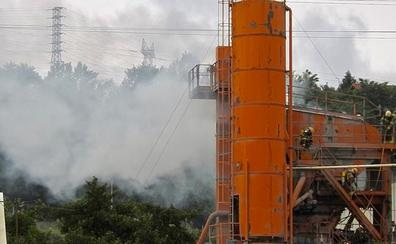 Incendio sin heridos en una empresa del polígono Sangroniz de Sondika