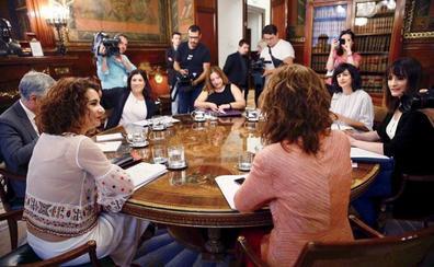 La Hacienda de Bizkaia cambiará la norma foral para devolver el IRPF a 201 madres afectadas