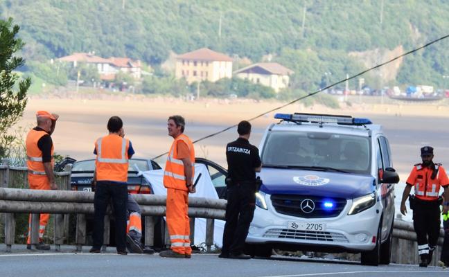 Fallece una mujer de 40 años en una colisión frontal entre dos vehículos en Mundaka