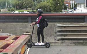 Estupor en la A-8 por una adolescente que circuló en sentido Bilbao sobre un patinete