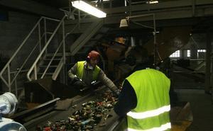 Llodio trata las 31.331 toneladas de vidrio reciclado en Euskadi en el primer semestre