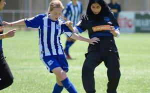 Un equipo palestino femenino disputará la Donosti Cup con la equipación de Alavés